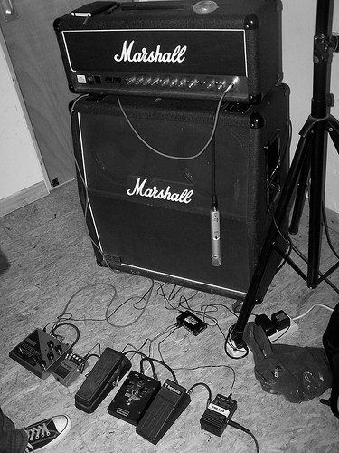 Marshall DSL50 half-stack with stompboxes